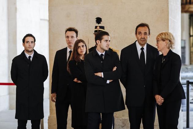 Claude Chirac (D), son mari Frédéric Salat-Baroux (2eD) et leurs enfants respectifs aux Invalides, le 29 septembre 2019