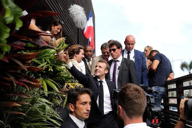 Le président Emmanuel Macron à son arrivée sur l'île de saint Barthelemy le 30 septembre 2018