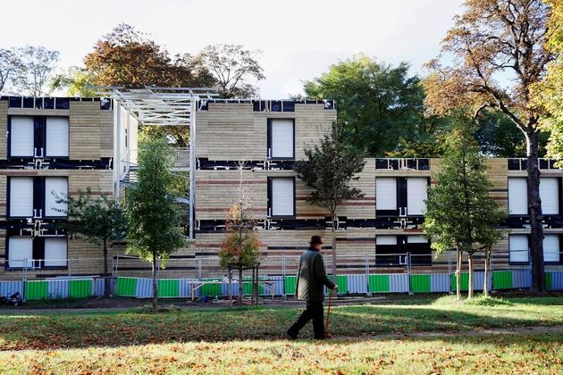 Le centre d'accueil pour sans abris dans le 16e arrondissement de Paris, à la lisière du Bois de Boulogne, le 17 octobre 2016
