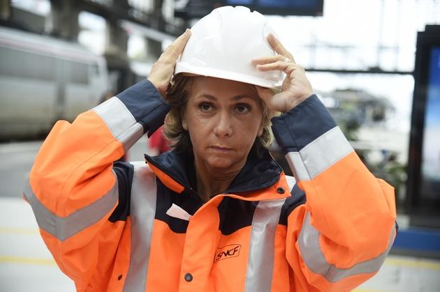 Valérie Pécresse visite les voies du RER C fermé en raison des inondations, à Paris le 4 juin 2016