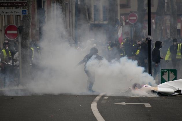 """Des heurts lors de la manifestation des """"gilets jaune"""" le 26 janvier 2019 à Toulouse"""