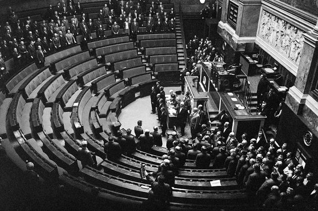 Le Président de l'Assemblée Nationale Jacques Chaban-Delmas annonce la dissolution de l'Assemblée Nationale, le 30 mai 1968 à Paris