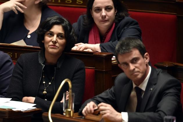 Myriam El Khomri et Manuel Valls le 30 mars 2016 à l'Assemblée nationale à Paris
