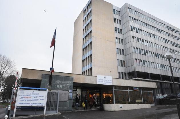 L'entrée de l'hôpital La Pitié-Salpêtrière, le 12 janvier 2009 à Paris