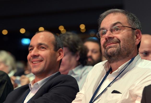 François Chérèque (D) et son successeur à la tête de la CFDT Laurent Berger le 28 novembre 2012 à Paris