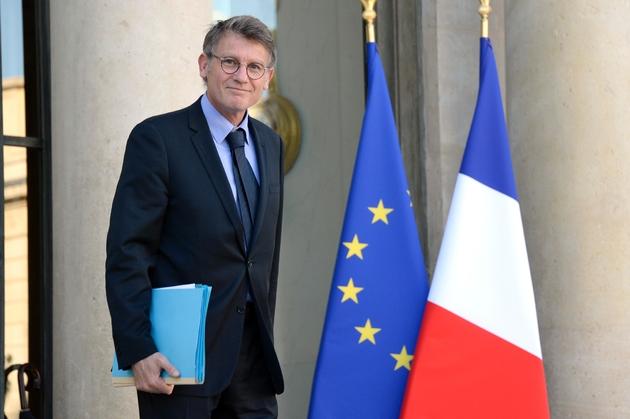 Vincent Peillon à la sortie de l'Elysée le 30 octobre 2013 à Paris