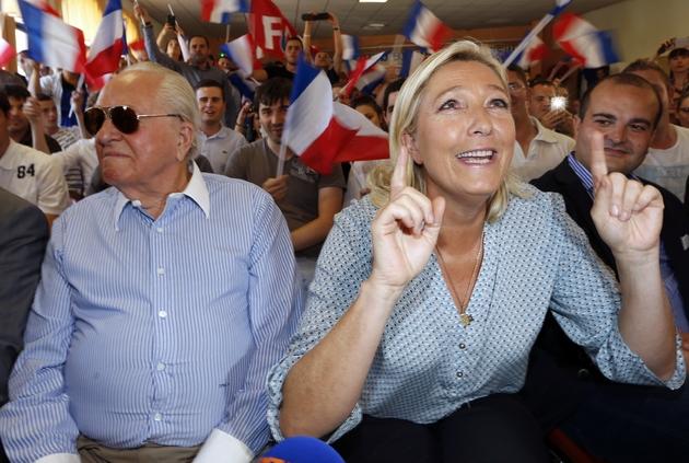 Jean-Marie Le Pen et sa fille Marine lors du congrège du FN à Fréjus en 2014