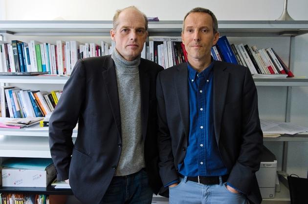 Les journalistes du MondeFabrice Lhomme (g) et Gérard Davet, le 10 novembre 2014 à Paris