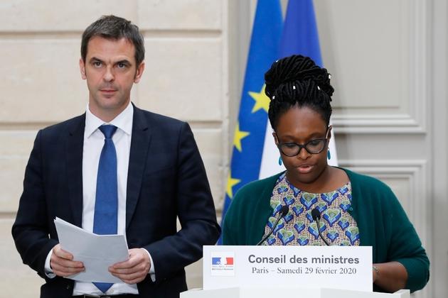 Olivier Véran et Sibeth Ndiaye font le point sur l'épidémie de Coronavirus, le 29 février 2020 à l'issue d'un Conseil des ministres exceptionnel