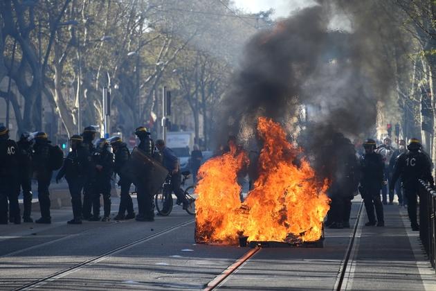 """Affrontements entre forces de l'ordre et """"gilets jaunes"""" le 23 mars 2019 à Montpellier"""