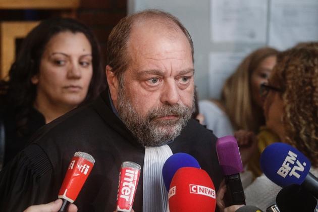 Eric Dupond-Moretti, avocat de Georges Tron, répond à la presse après l'acquittement de son client le 15 novembre 2018 à Bobigny