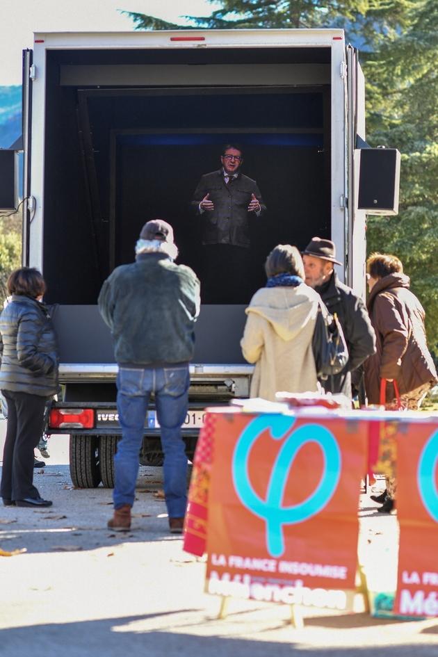 Discours d'un hologramme du leader de la France insoumise (LFI) Jean-Luc Mélenchon, à Sospel (Alpes-maritimes), le 6 février 2019