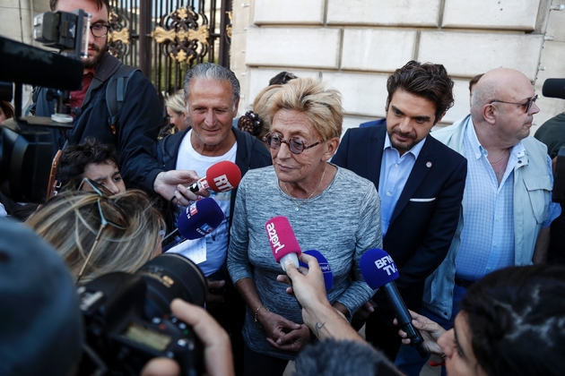 Isabelle Balkany (c) devant la mairie de Levallois-Perret, le 14 septembre 2019