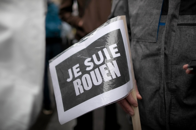 """""""Je suie Rouen"""", proclame un participant à la manifestation organisée le 1er octobre 2019 à Rouen pour obtenir la """"vérité"""" sur les conséquences de l'incendie de l'usine Lubrizol"""