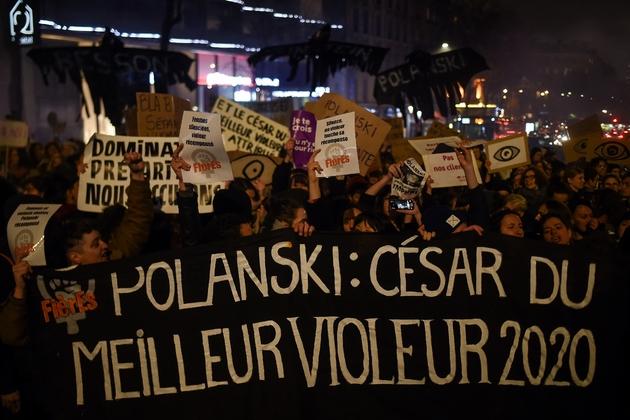 Manifestation de féministes devant la salle Pleyel avant la cérémonie des César à Paris, le 28 février 2020