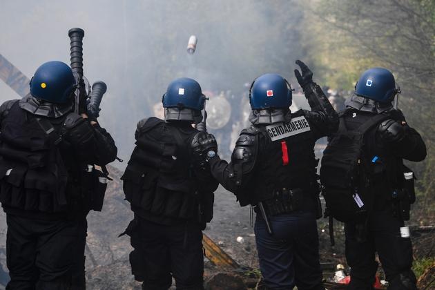 Affrontement entre police et zadistes à Notre-Dame-des-Landes dimanche 15 avril 2018