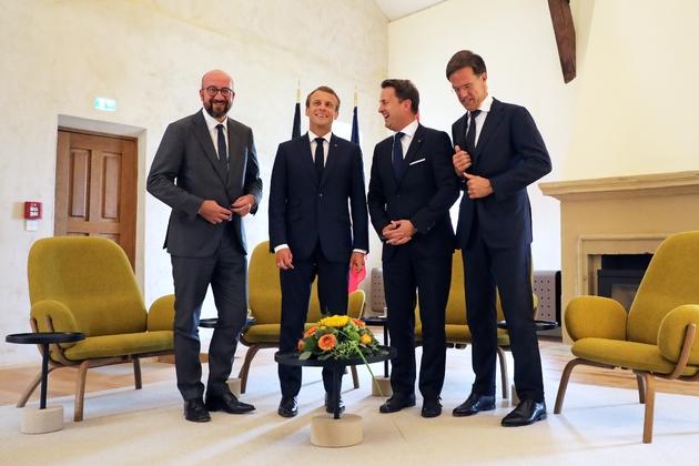 Emmanuel Macron en compagnie des Premier ministres belge Charles Michel, luxembourgeois Xavier Bettel, et néerlandais Mark Rutte, lors d'une conférence de presse au Luxembourg le 6 septembre 2018