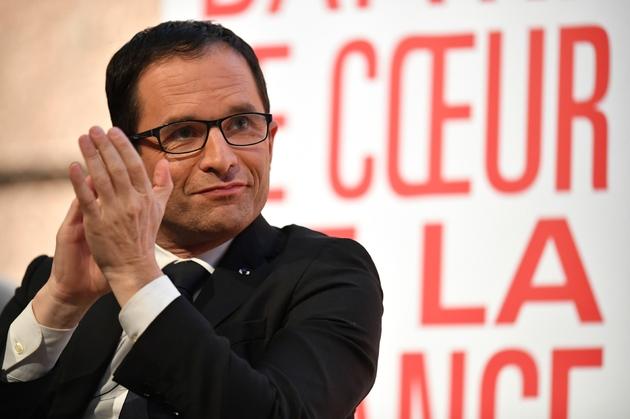 Benoît Hamon en campagne pour la primaire organisée par le PS, le 10 janvier 2017 à Montpellier