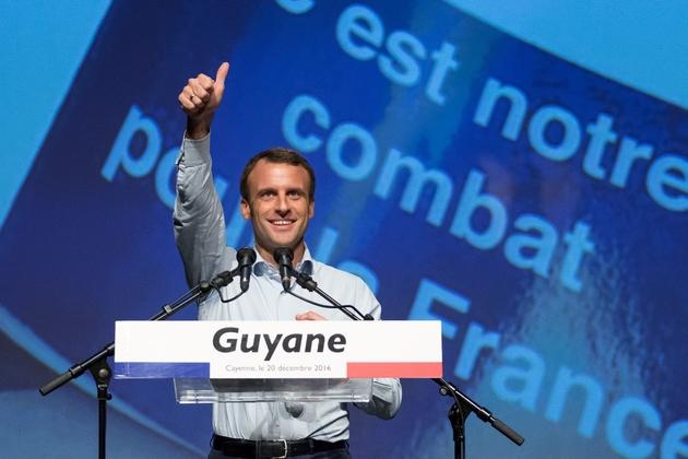 Emmanuel Macron, ex-ministre français de l'EConomie et candidat à la présidentielle de 2017 en campagne à Remire-Montjoly, en Guyane, en France, le 20 décembre 2016