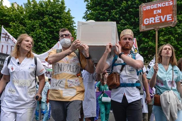 Manifestation des personnels des services d'urgences à Paris le 6 juin 2019