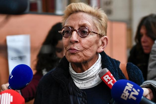 Isabelle Balkany s'adresse à la presse après la première audience au Palais de Justice de Paris, le 11 décembre 2019