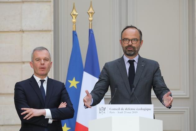 Le Premier ministre Edouard Philippe et le ministre de la Transition écologique François de Rugy s'expriment après le premier Conseil de défense écologique, le 23 mai 2019 à l'Elysée