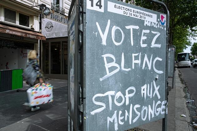 Un panneau électoral à Paris, le 23 mai 2019