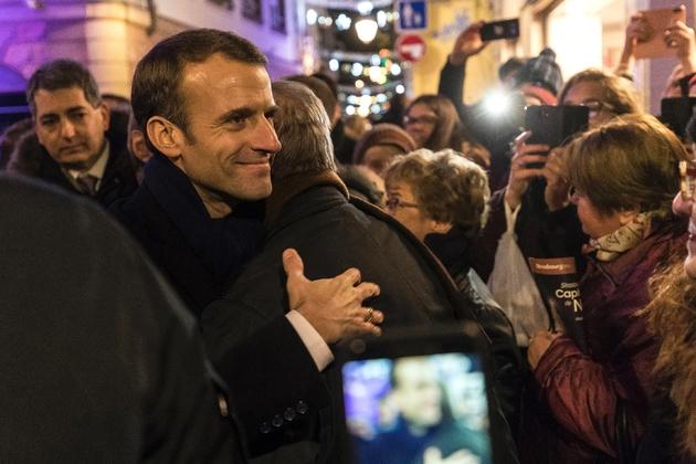 Le président Macron au marché de Noël de Strasbourg, le 14 décembre 2018