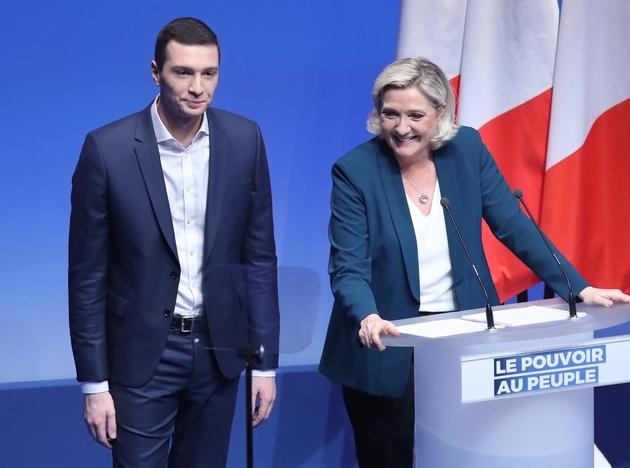 Marine Le Pen et Jordan Bardella lors d'un meeting pour le lancement de la campagne du Rassemblement national aux élections européennes de mai 2019, le 13 janvier 2019 à Paris