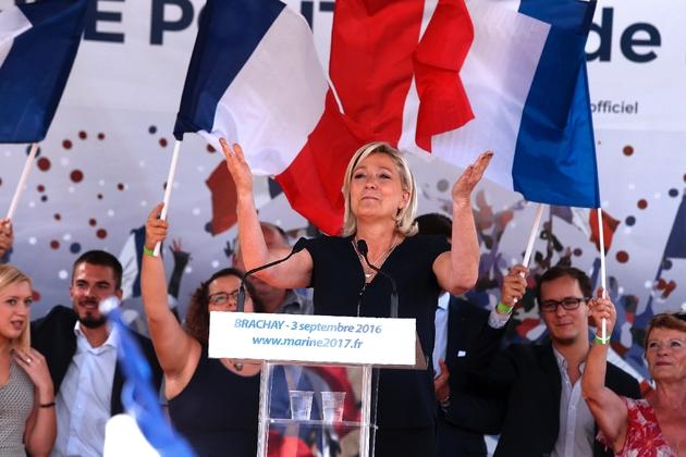 Un duel Fillon-Le Pen en mai, au second tour de la présidentielle, est le scénario le plus probable, selon les sondages