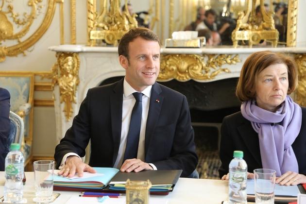 Emmanuel Macron et la ministre de la Défense Florence Parly au conseil des ministres, le 1er avril 2019