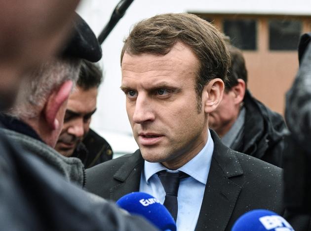 Le candidat à la présidentielle Emmanuel Macron à Noeux-les-Mines, dans le nord de la France, le 13 janvier 2017