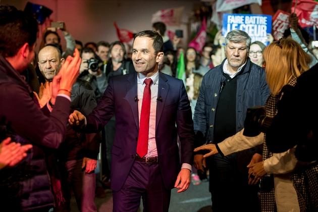 Benoît Hamon, candidat de la primaire organisée par le PS, arrive à un meeting de campagne à Lille, le 27 janvier 2017