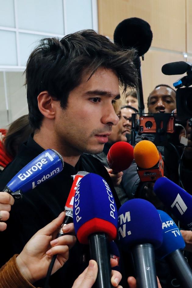 L'avocat Juan Branco répond à la presse au TGI de Paris, le 18 février 2020
