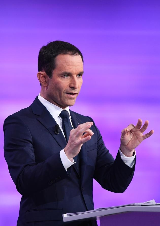 Benoît Hamon sur le plateau du débat à La Plaine-Saint-Denis, le 25 janvier 2017