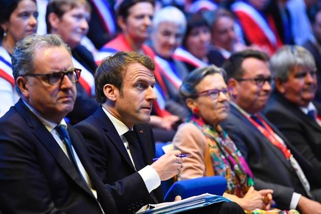 Richard Ferrand et Emmanuel Macron aux assises des maires bretons le 3 avril 2019 à Saint-Brieuc