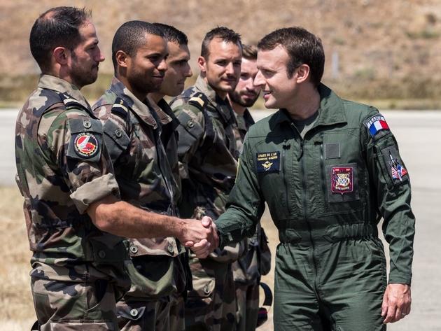 Emmanuel Macron sur la base d'Istres (20 juillet 2017) image afp