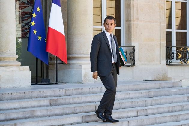Le ministre français de l'Action et des Comptes publics Gérald Darmanin quitte le Conseil des ministres hebdomadaire au Palais de l'Elysée, à Paris, le 3 août 2018