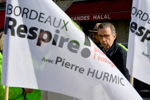 Le candidat Europe-Ecologie/Les Verts (EELV) à la mairie de Bordeaux, Pierre Hurmic, dans sa ville le 9 février 2020