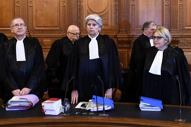 La présidente de la Cour de justice de la République (CJR) Martine Ract Madoux (c) à Paris le 12 décembre 2016