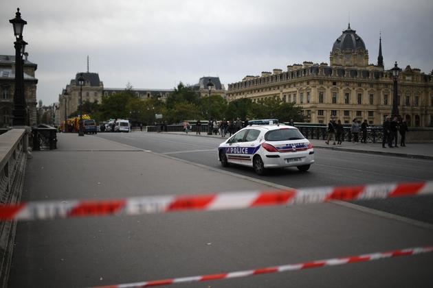 Périmètre de sécurité autour de la Préfecture de police de Paris le 3 octobre 2019