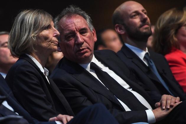 Le président du MoDem François Bayrou avec la vice-président du parti Marielle de Sarnez, le 24 mai 2019 à Paris