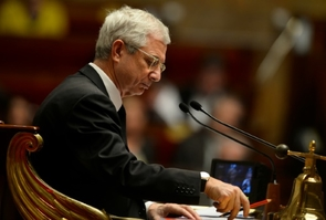 Le président de l'Assemblée nationale, Claude Bartolone, lors d'une séance de questions au gouvernement, le 17 novembre 2015 à Paris.