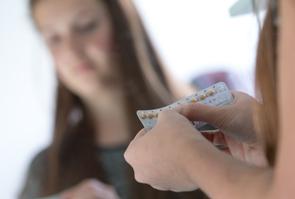 Bordeaux Illustration pilule contraceptive