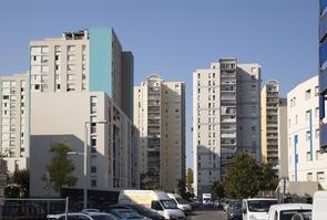 """FRA: Operation """"Oxygene"""" sur le quartier """"Les Moulins"""" a Nice"""